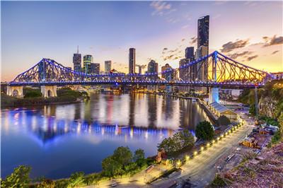 Australia-Brisbane-Skyline-bridge.jpg